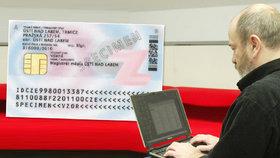 Od příštího roku budou nové občanky. Čip umožní na dálku ověřit vaši identitu
