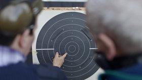 Žádostí o zbrojní průkaz přibývá, Češi se bojí teroristických útoků