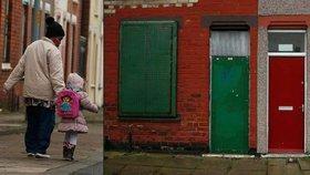 Britští uprchlíci se bouří: Barví nám dveře na červeno, je to jako za nacistů!