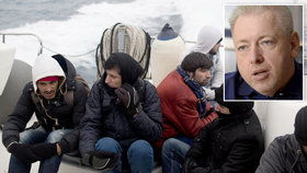 """Řecku hrozí dočasné vyloučení ze Schengenu. """"Zvětšuje se tlak,"""" říká Chovanec"""