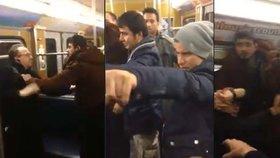Uprchlíci, kteří napadli důchodce v metru: Azyl jim zamítli už před 4 lety