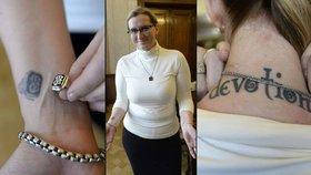 Ministryně Šlechtová ukázala své tělo: Kolik má tetování?