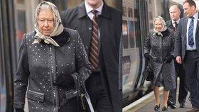 Královská cestující! Královna Alžběta se z prázdnin svezla do Londýna vlakem