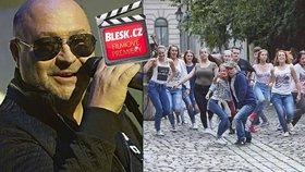 Čtvrteční filmové premiéry: Michal David představí své Decibely lásky