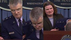 Generál se svalil uprostřed tiskové konference: Prý ho sejmula chřipka