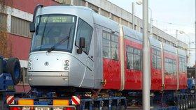 Co s tramvajemi »Porsche«? Dopravní podnik myslí na zásadní řešení: Prodá požíračky kolejí?