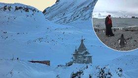 Ruský patriarcha Kirill mezi tučňáky. Sloužil mši na Antarktidě