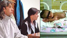 Rodiče holčičky s poškozeným mozkem dál bojují s nemocnicí o 7,5 milionu: Nakazila se Mia v inkubátoru?!