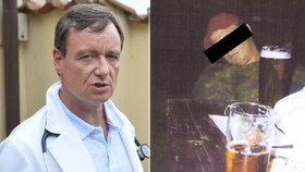 Rath chce u soudu vrátit úder. Soudci, na kterého vytáhl opilé foto u piva