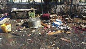 Sebevrah přijel na motorce k sídlu vlády a odpálil se, zemřelo nejméně 25 osob