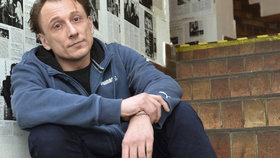 Kapitán Anděl z Případů 1. oddělení alias herec Stach: Je to gay, říká o něm bývalý spolužák