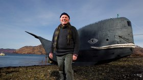 Dobrodruh si postavil plavidlo ve tvaru velryby: Chce v něm přeplout celý Atlantik!
