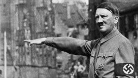 Hitler miloval fekál: Vzrušovalo ho, když na něj kálely ženy, tvrdí lékař