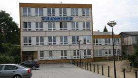 V Modřanech budou mít novou radnici: Práce začaly, úřad upozorňuje na hluk