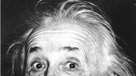 Dražba Einsteinových poznámek: Jednou budou mít větší cenu než spropitné, řekl poslíčkovi, když mu je dával