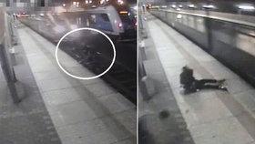Dva kluky srazil vlak přímo na nádraží v Otrokovicích, když přebíhali koleje!