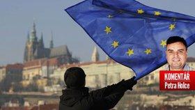 Komentář: Češi nevěří Evropské unii, bohužel ale ani sobě