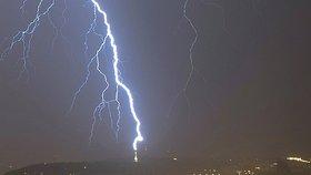Na Moravě a východě Čech hrozí silné bouřky a déšť, varuje předpověď. Sledujte radar