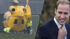 Princ William po měsíční pauze zase pilotem: Místo létání se ale válí po zemi