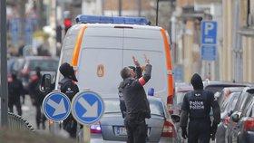 Další obviněný terorista a třináct razií: Belgická policie pročesává domy