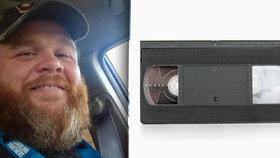 Svobodného tátu zatkli za to, že 14 let nevrátil videokazetu