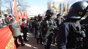 Zfackovali prý studenta kvůli názoru na Čínu. Zeman ale policisty chválí