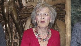 Tak to je zlé! Chřadnoucí Luba Skořepová (92) už nerozezná noc a den!