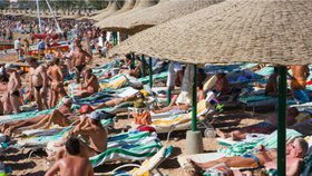 Češi se bojí teroristických útoků na dovolené. Jde se proti nim pojistit?