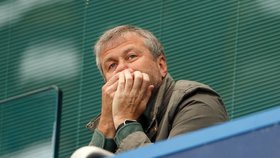 Majitel fotbalové Chelsea nesmí do Británie: Rusovi Abramovičovi neprodloužili vízum