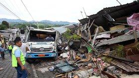 Zemětřesení udeřilo děsivou silou: Nejméně 238 mrtvých v Ekvádoru