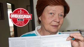 Seniorka využila výhodnou koupi při předváděcí akci, nepoužitý vysavač jí leží doma v krabici