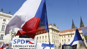 """Bezpečnostní opatření v centru Prahy: Sejdou se odpůrci Evropské unie, proti nastoupí """"hluková olympiáda"""""""
