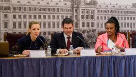 Jsou mladí lidé sobečtí? »Ne, myslí ohleduplně.« Summit OSN v Praze hledá recept na lepší život