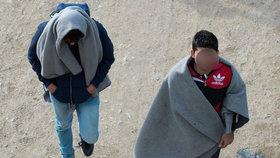Dva Syřané cestovali s falešnými českými pasy, dopadli je v Řecku