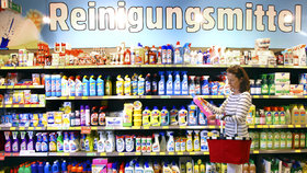 Etikety, doprava a DPH. Řetězec hájí drahou drogerii v Česku oproti Německu