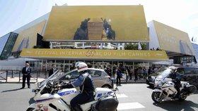 Začíná filmový festival v Cannes: Zazáří kanibalský hororový film z prostředí topmodelek?