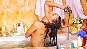 Vlasy od A do Z: Jak je správně připravit na mytí? Namočit!