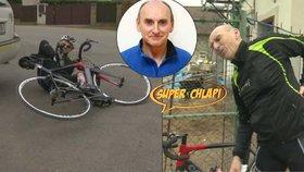 Další tragéd mezi Superchlapy: Jiří (60) padá z kola...