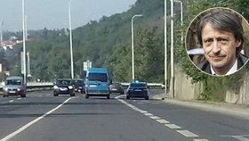 Ministr Stropnický jezdí stále jako v Kriminálce Anděl: Dej majáček, jdi do otáček!