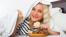 7 potravin, které si můžete dát i před spaním, a nepřiberete