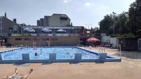 Praha 3 opraví bazén v Pražačce. Rekonstrukce za 25 milionů skončí příští rok