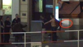 Souboj obušků: Polonahý muž ho vytáhl na strážníky, strážníci vytasili svůj a pouta