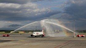 Přímé lety do Toronta se po 39 letech vrátily: Letadla z Prahy létají třikrát týdně