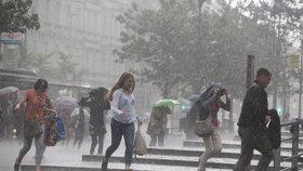 Vydatný déšť zkropí Liberecký a Královéhradecký kraj. Liják byl už na Vysočině
