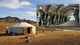 Mrazivé noci i zabití kozy: Čeští vojáci se učili přežít v mongolské stepi