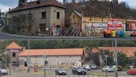 Bývalá osada Buďánka se mění před očima: Má už střechu i novou fasádu