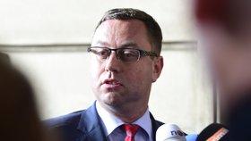 """Žalobci chtěli diskutovat o """"stíhání na zakázku"""". Poslanci přišli jen dva"""
