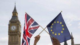 Nenastane konec světa. Mayová mírní obavy z brexitu bez dohody