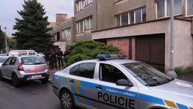 Dlužník (61) z Jičínska ohrožoval exekutory pistolí: Dvojice se ubránila slzným plynem