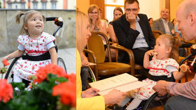 Dvouletá Izabelka je nejmladší česká vozíčkářka!